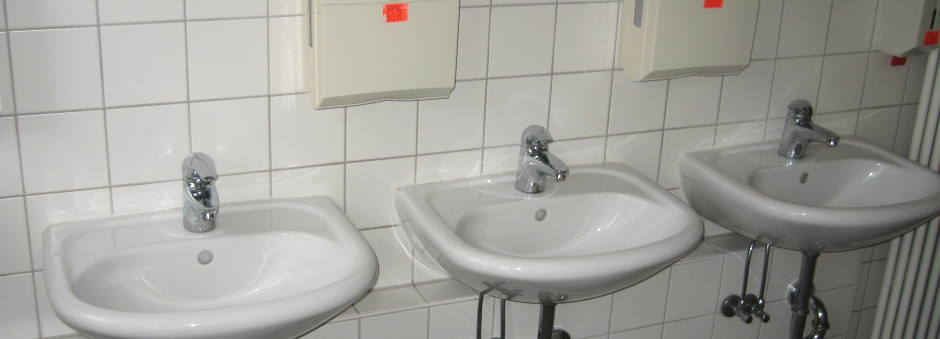 Ablagerung in Urinal